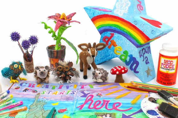 Assorted Mixed Media Crafts at Zazzy Peacock Studios